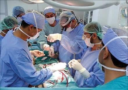 أطباء مغاربة يتطوعون لعلاج مرضى القلب بموريتانيا