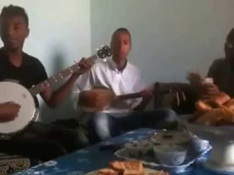فرقة سوسية تغني إنتي باغية واحد بالأمازيغية