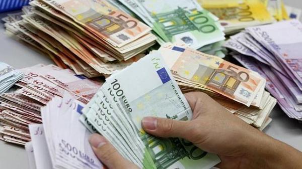 ياسلام : مهاجر مغربي بايطاليا يعثر على مبلغ 20 ألف يورو و يعيده لصاحبه