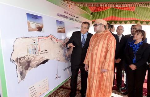 محمد السادس يدشن مشاريع هامة للتطهير السائل والتزود بالماء الصالح للشرب بالداخلة
