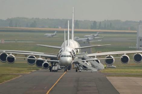 تحطم طائرة باكستانية على متنها 47 راكبا