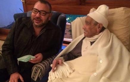 محمد السادس يزور القيادي امحمد بوستة ويطمئن على صحته