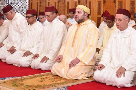 رعاية اليتيم موضوع خطبة الجمعة أمام الملك محمد السادس بمسجد الأنصار بالرباط