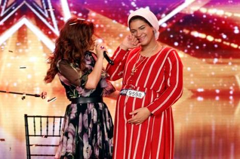 إيمان الشميطي متسابقة مغربية تتحدى نداء الأمومة للفوز ببرنامج للمواهب